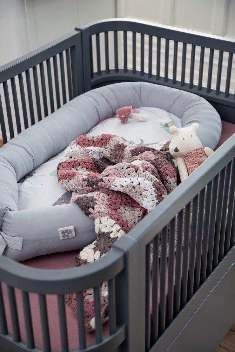 sebra bett dunkelgrau babybett juniorbett hipster baby. Black Bedroom Furniture Sets. Home Design Ideas