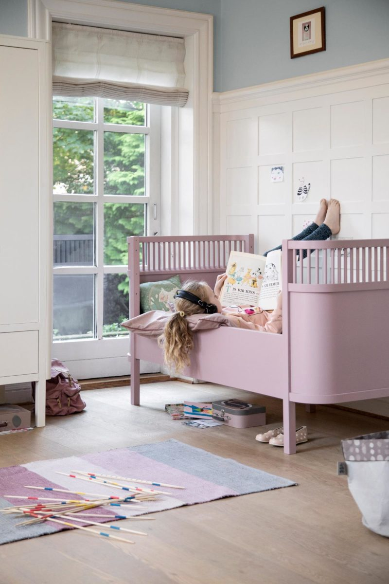 sebra teppich gewebt altrosa hipster baby. Black Bedroom Furniture Sets. Home Design Ideas