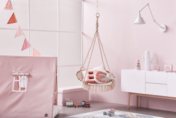 Kids Concept Zelt X rosa im Kinderzimmer