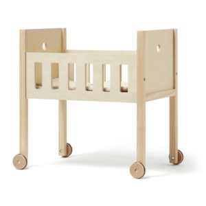 Kids Concept Puppenbett Natur seitlich