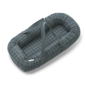 """Liewood Gro Babylift / Babynest """"Check / whale blue"""" 01"""