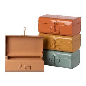 Maileg Kofferset aus Metall, 4-teilig, 4 Farben, 15x20x35cm 01