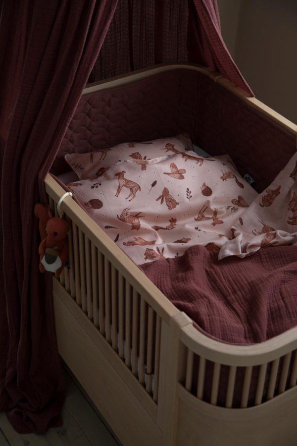 "Sebra Bettnestchen abgesteppt ""burgundy red"", 360cm im Babybett"